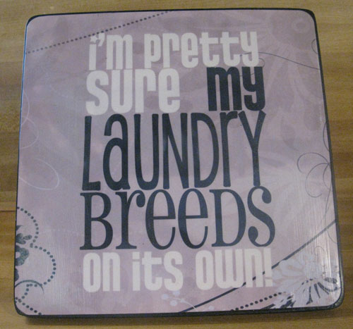 Easy DIY art laundry room sign